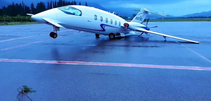 Lani u nevremenu oštećen avion na aerodromu Tivat