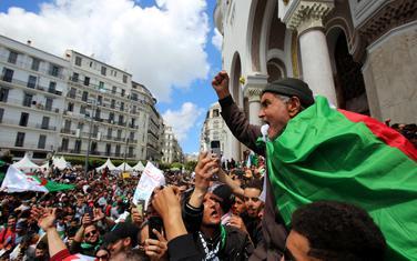 Vojska u Alžiru civilnu vlast koristi kao paravan
