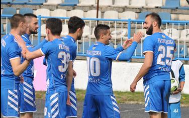 Ciger, Vlaisavljević, Vučić, Zakarija, Ćetković i Marković slave gol Sutjeske