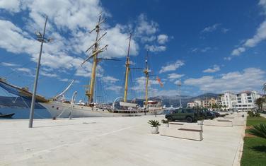 """Nanijeta nemjerljiva šteta ugledu školskog broda """"Jadran"""", Mornarice i oružanih snaga Crne"""