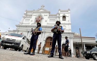 Vojnici čuvaj prilaz crkvi Sv. Antonija