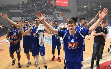 Spremni da osvoje Beograd: Košarkaši Budućnost Volija slave pobjedu na četvrtoj utakmici
