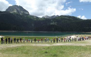 Nedavni protest na Crnom jezeru zbog izgradnje restorana