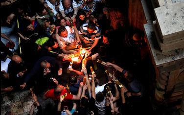 """Ceremonija """"Svetog ognja"""" u Jerusalimu"""