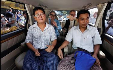 Oslobođeni novinari Rojters