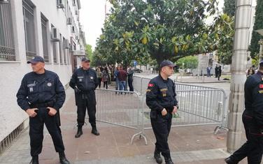 Pojačano prisustvo policije oko zgrade Vrhovnog tužilaštva, Vlade i Skupštine