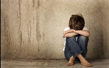 Dječak patio i osjećao veliki strah: Zlostavljanje (ilustracija)