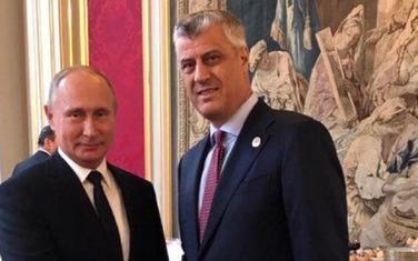 Putin i Tači prilikom susreta u Parizu