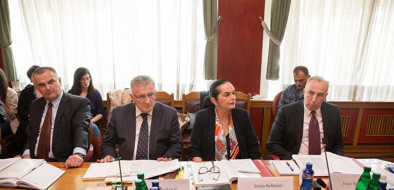 Sa Odbora za politički sistem, pravosuđe i upravu