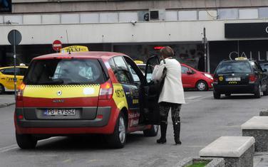 Taksi stajalište na Trgu nezavisnosti