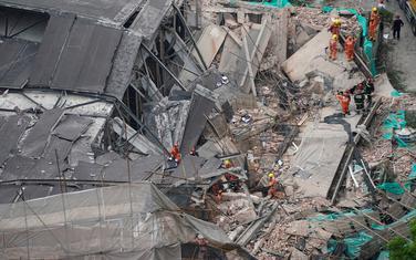 Šangaj urušena zgrada