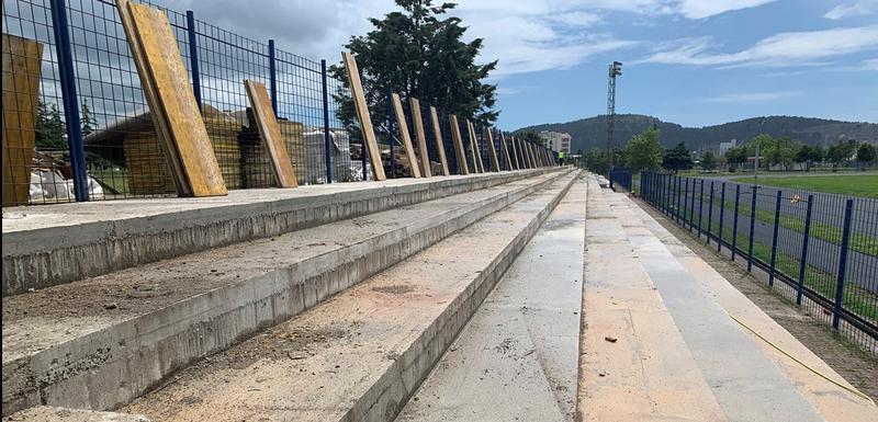 """Stadion """"Topolica"""" dobiće novu tribinu sa stolicama"""