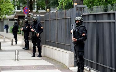 Policija tokom izricanja presude u slučaju državni udar