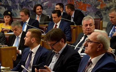 Poslanici vladajućeg DPS-a