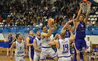 Sa večerašnje utakmice Sutjeska - Mornar (Foto: Milan Šapurić)