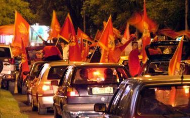 Slavlje na ulicama Podgorice nakon proglašenja rezultata referenduma maja 2006. godine (arhiva)