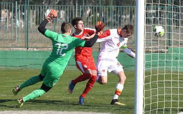 Sa jedne od utakmica mlađih selekcija Crne Gore i Srbije