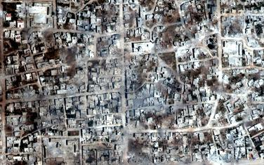 Satelitski snimak koji pokazuje zgrade uništene u napadima