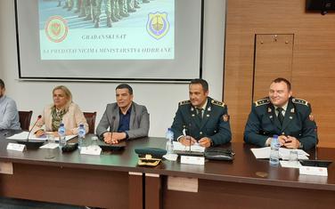 """Sa """"Građanskog sata"""" Ministarstva odbrane u Tivtu"""