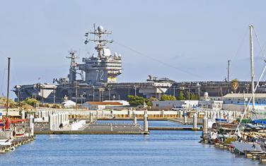 USS Abraham Linkoln u Kaliforniji: Ilustracija