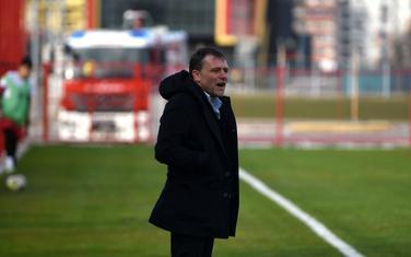 Trener Koma Viktor Trenevski