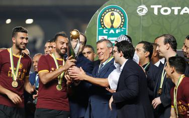 Fudbaleri Esperanse sa pobjedničkim peharom