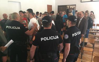 Policija se umiješala u skup