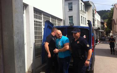 Mujezinovića dovode u sud