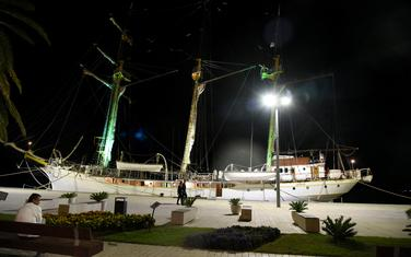 Brod jadran u Tivtu (ilustracija)
