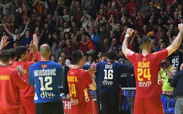 Igrači i navijači slave pobjedu nad Danskom