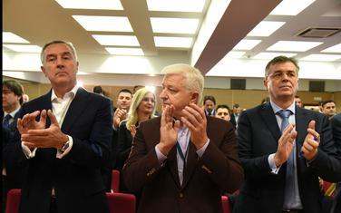 """Naša vlast se ponaša """"balkanski"""""""