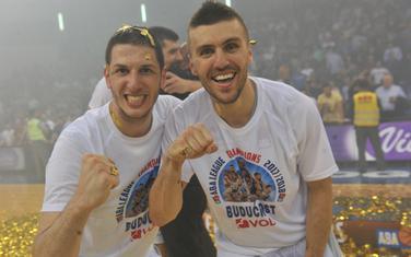Nikola Ivanović i Nemanja Gordić slave osvajanje ABA lige