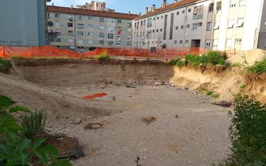 Iskopana rupa u Ulici Dragice Pravice