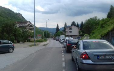 Kolona vozila u Rakonjama