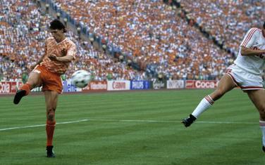 Van Basten postiže spektakularan gol