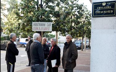 """Sa protesta """"Dakećevaca"""" ispred Ustavnog suda (arhiva)"""