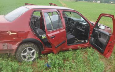 Automobil osumnjičenih za pljačku pumpe