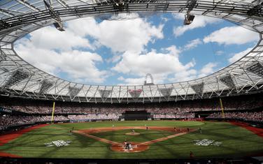 Bejzbol spektakl na Olimpijskom stadionu