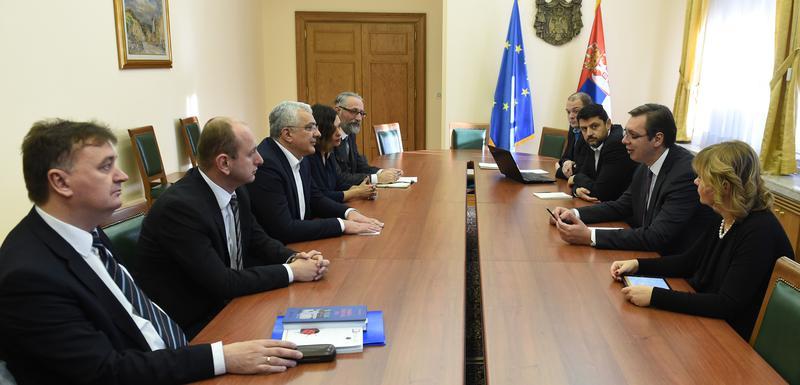 Nema pomoći oko odluka za izbore, ali će je biti uoči popisa stanovništva: Raniji sastanak Vučića sa čelnicima DF-a