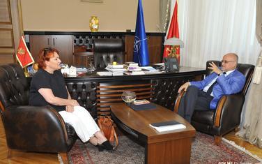 Hačinson i Darmanović