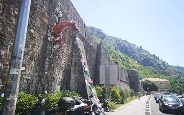 Jedna od instalacija u Kotoru