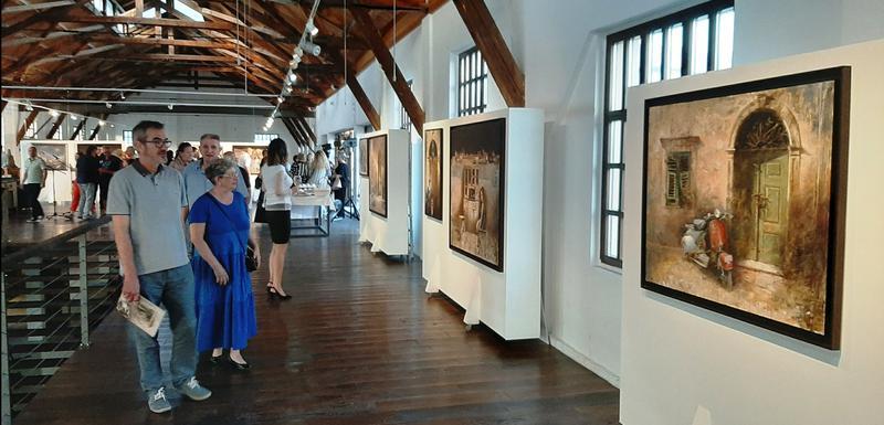 Sa otvaranja izložbe u Tivtu