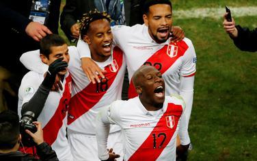 Peruanci slave nakon meča