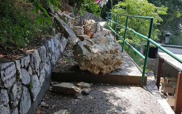 Srušeni zid u Perazića dolu