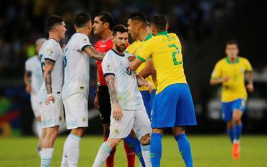 Sa meča Brazil - Argentina