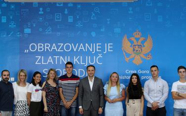 Šehović sa učesnicima kviza i njihovim mentorima