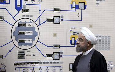 Iranski predsjednik Hasan Rohani tokom posjete jednoj od iranskih nuklearnih elektrana 2015.