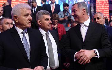 Da prijave i povoljne kredite: Marković, Brajović i Đukanović