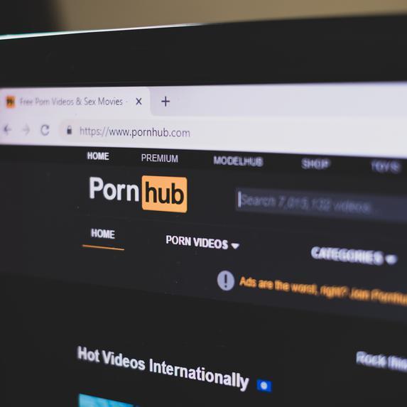 Besplatni mobilni pornohub