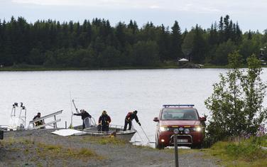 Pripadnici hitnih službi na mjestu pada aviona